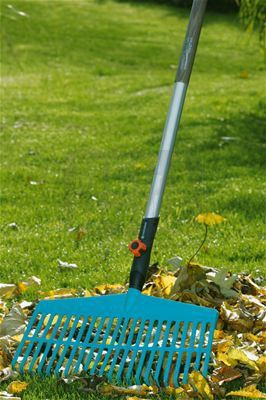 Пластмасово гребло за трева Gardena combisystem 43 см