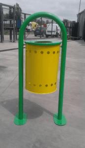 Метален кош на стойка с обем 40 литра